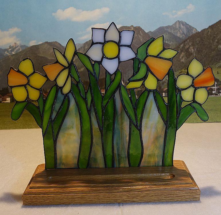 Blumenbeet Narzissen stehend Bunt