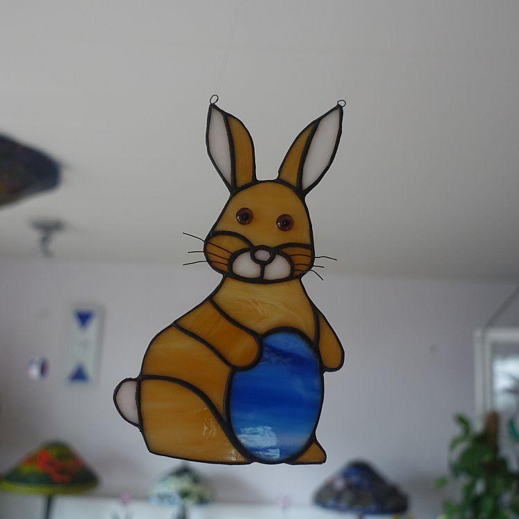 Fensterhänger  Hase mit Ei