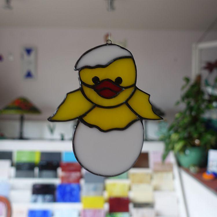 Fensterhänger  Kücken aus dem Ei (klein)